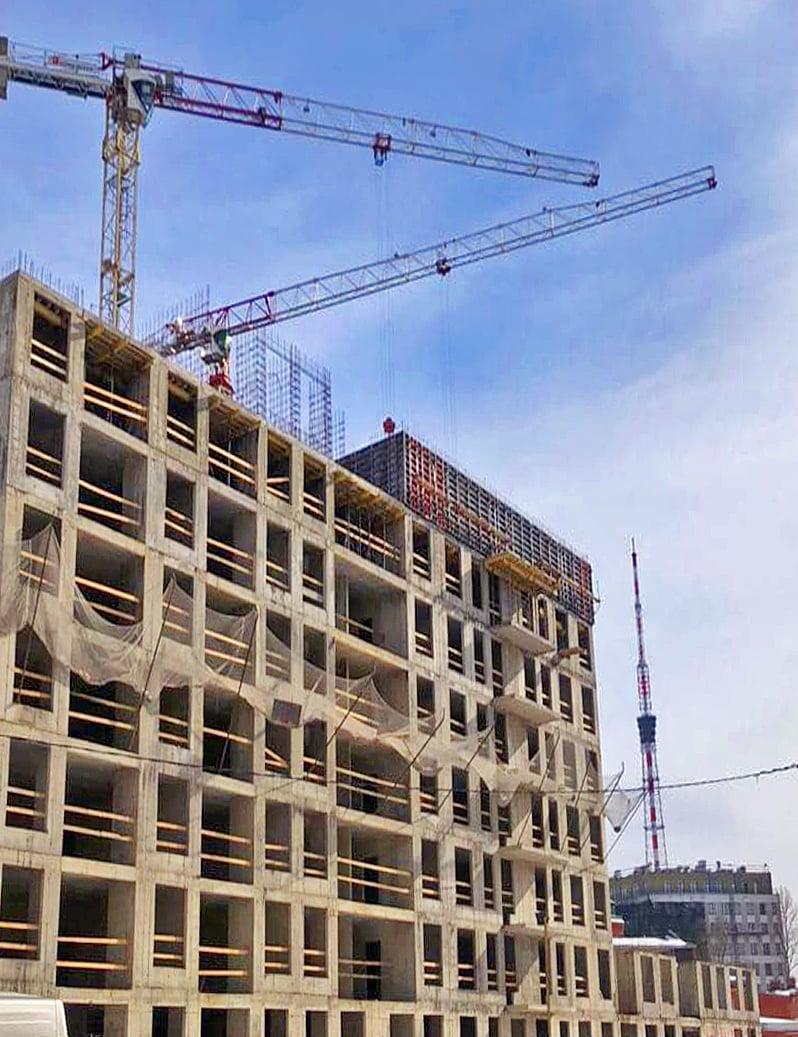 Здание строится с применением опалубки